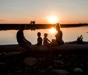Familie session in Alberta Canada