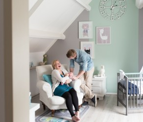 NEWBORN LIFESTYLE PHOTOS IN COMMISSION OF A MIDWIFERY